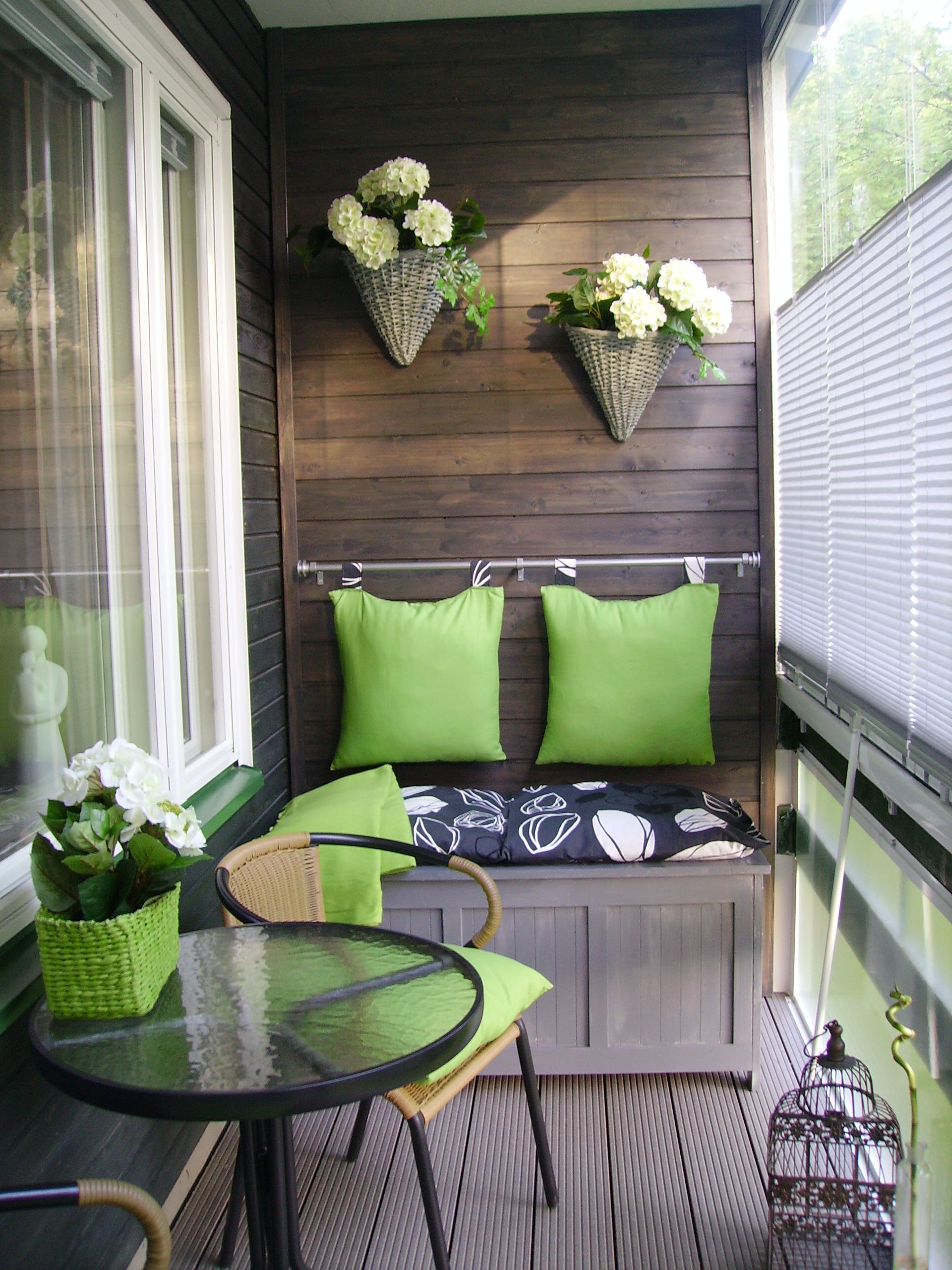 Condo balcony furniture ideas - Kirsib